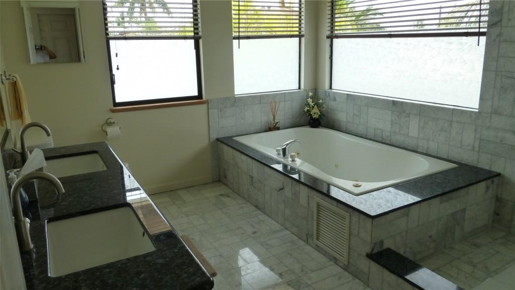 11s Master Bath